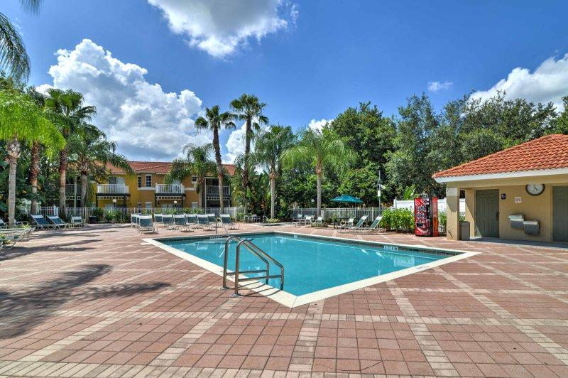 Esta moradia em Kissimmee está situada na comunidade Emerald Island Resort!