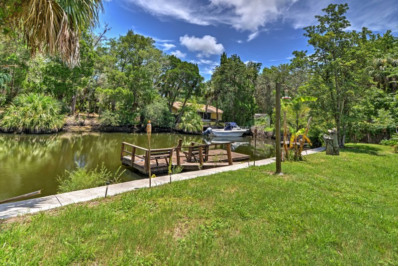 Waterfront Crystal River House W/Screened-in Pool! UPDATED