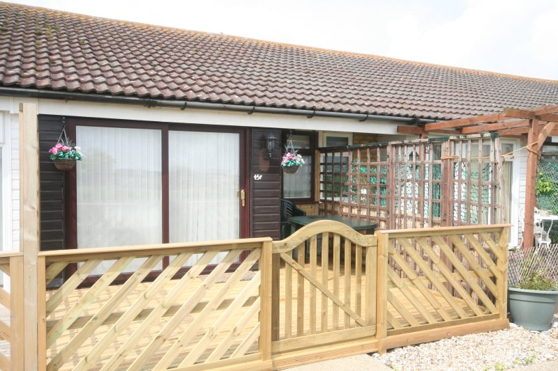 Windrush 45F Medmerry Holiday Village, holiday rental in Earnley