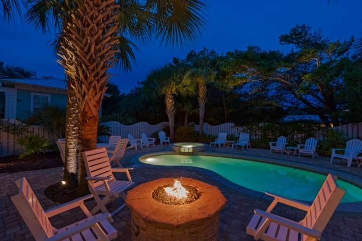 A Point of VIew -Twilight by your own private pool!  Spend relaxing evenings poolside at our luxury 30A beach home!