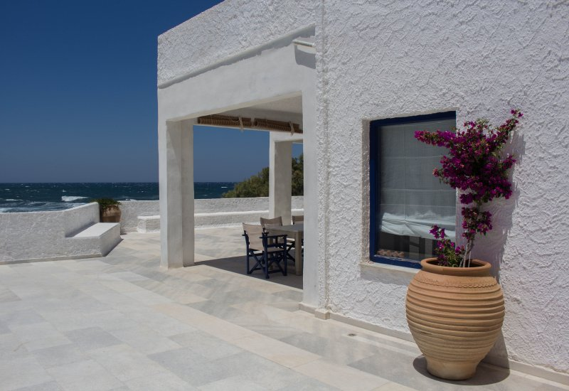 Villa Akrotiri - A Star Watcher on the beach, holiday rental in Donousa Town
