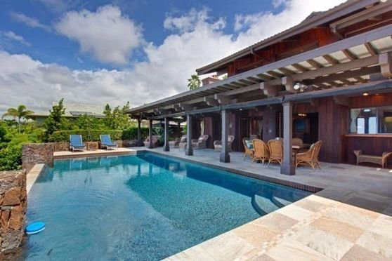 Infinity Pool with Covered Lanai ..