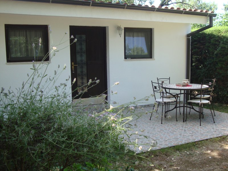 Lovely house in green environment, alquiler de vacaciones en Premantura