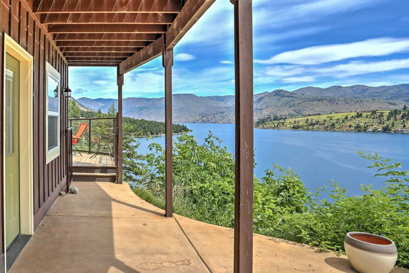 This property is truly a one-of-a-kind getaway offers views of Lake Chelan!