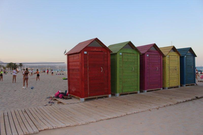 Just 700 meters from the beach San Juan de Alicante