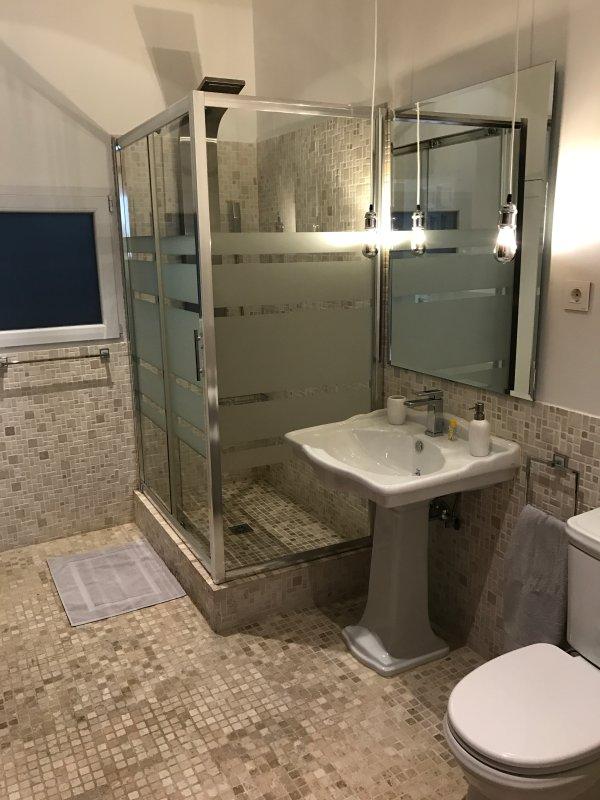 Bathroom 1 - Bathroom