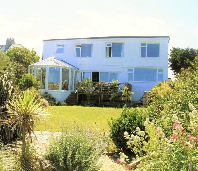 Picturesque cottage in Crantock, stunning seaviews, 5mins to beach,, Ferienwohnung in Crantock