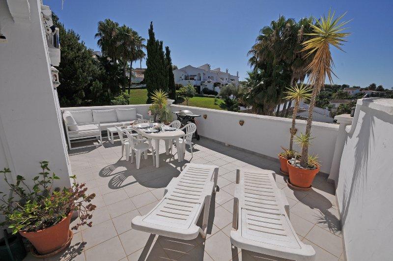 Tavolo Da Giardino Con Barbecue.Apartment Rabat 15 Oasis De Capistrano Has Internet Access And Wi