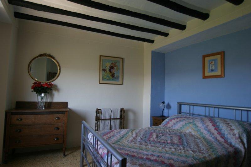 Tradicional, cómodo y espacioso - una de las habitaciones dobles granja
