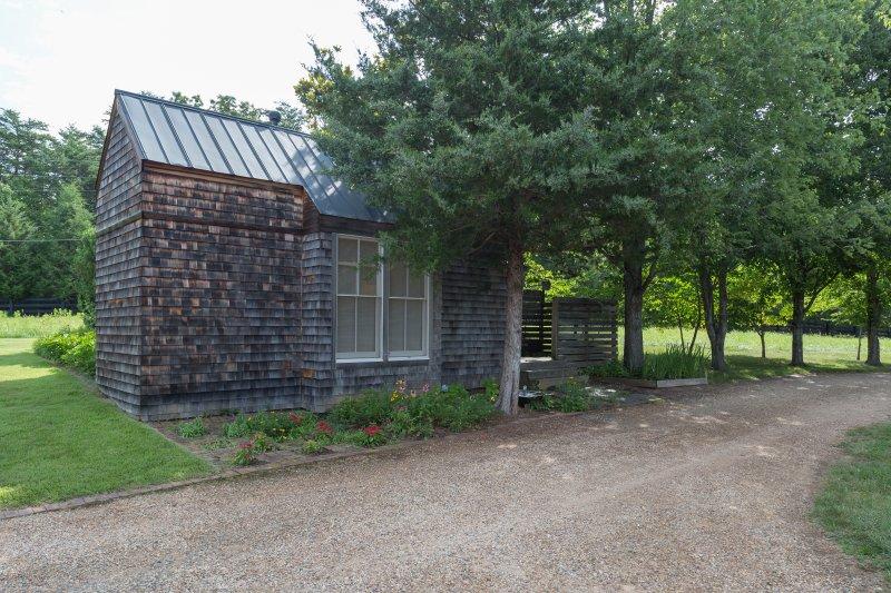 Cottage hat einen eigenen Parkplatz und Privatsphäre