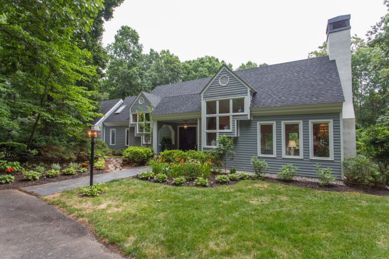 Four Seasons Annex in Ivy is a charming oasis right outside of Charlottesville, VA!