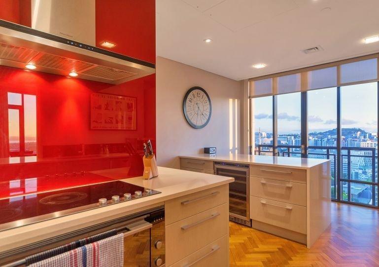 Full entertainers kitchen