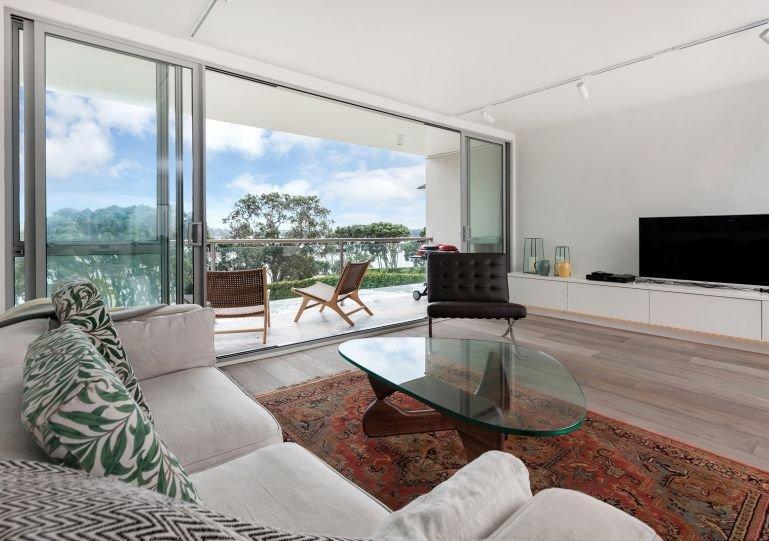 Fantastique appartement à aire ouverte avec plancher de chêne français et