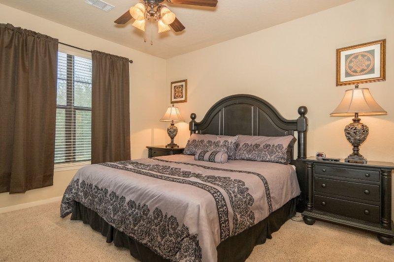Sognate un po 'in questa rilassante camera da letto principale