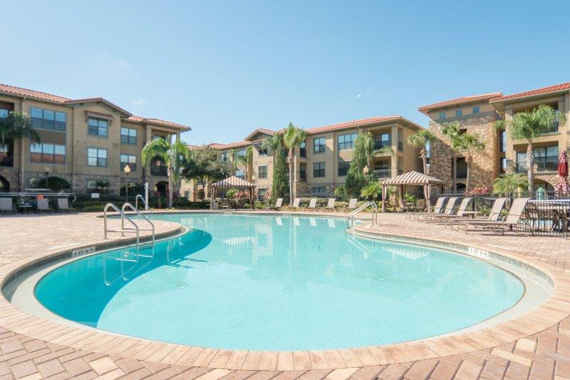 bella 111 main pool