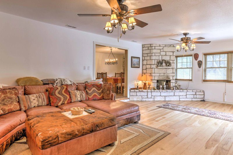 Kerrville Mtn. House w/Outdoor Entertainment Area!, holiday rental in Harper