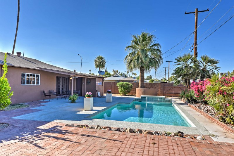 Escape to paradise in this 3-bedroom, 2-bathroom Scottsdale vacation rental home.