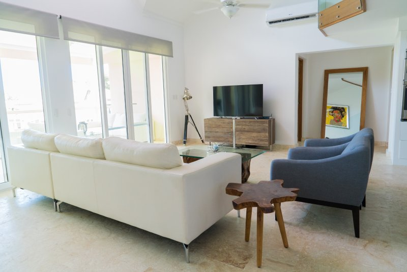3BR / 3.5BA Modern Paradise Condo Loft in Gated Community w/ Daily Housekeeping, vacation rental in Sosua