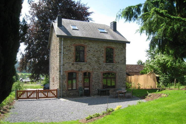 A beautifully renovated mansion in the Ardennes., holiday rental in Commanster