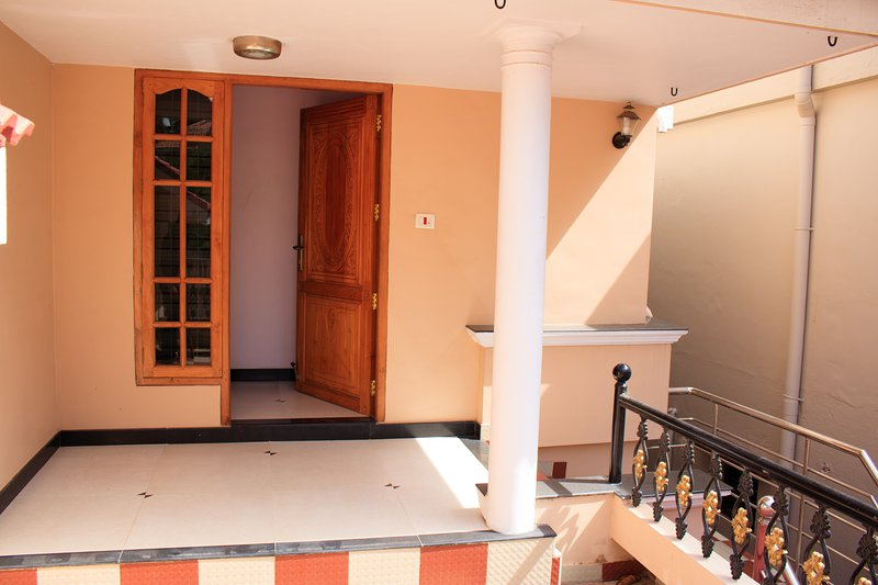 Elegance beyond Beauty - Krishnalayam Home Stay, vacation rental in Kazhakkoottam