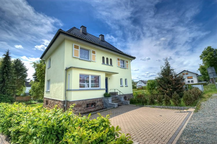 8-pers. holiday house near Winterberg and Willingen, holiday rental in Medelon