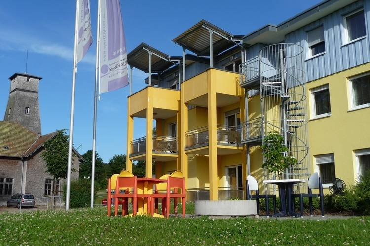 A holiday home for four people in a sports complex between Lake Constance and th – semesterbostad i Deisslingen