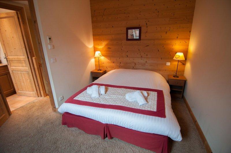 BAIE DES VOILES - #208 DUPLEX vue lac et Château., holiday rental in Duingt