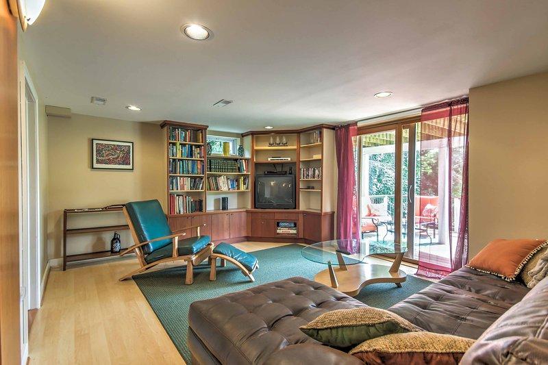 El interior cuenta con mobiliario confortable y comodidades modernas para su última experiencia de hogar lejos de casa.