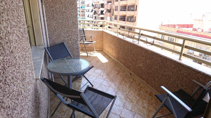 APARTAMENTO CENTRO SAN JUAN DE ALICANTE, holiday rental in Mutxamel