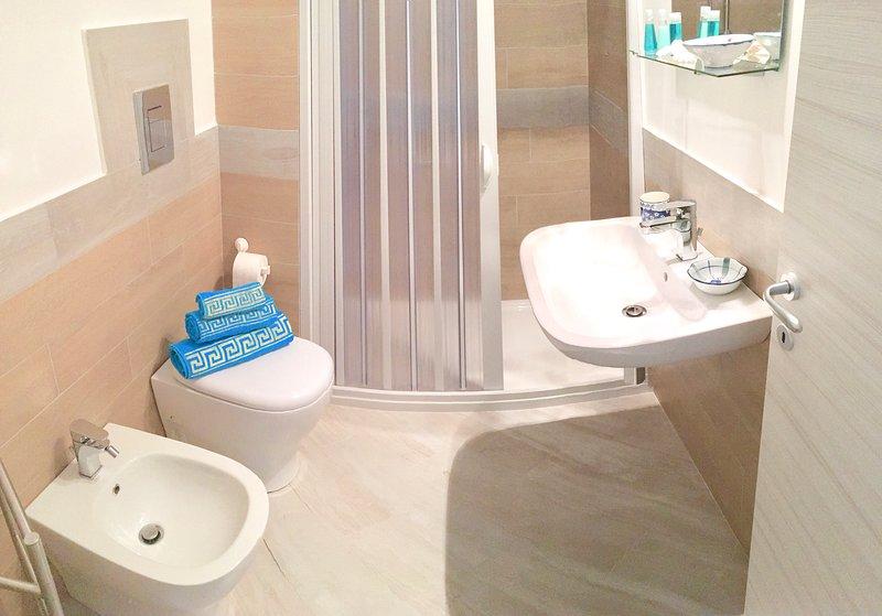 Brisa do mar: casa de banho completa com chuveiro