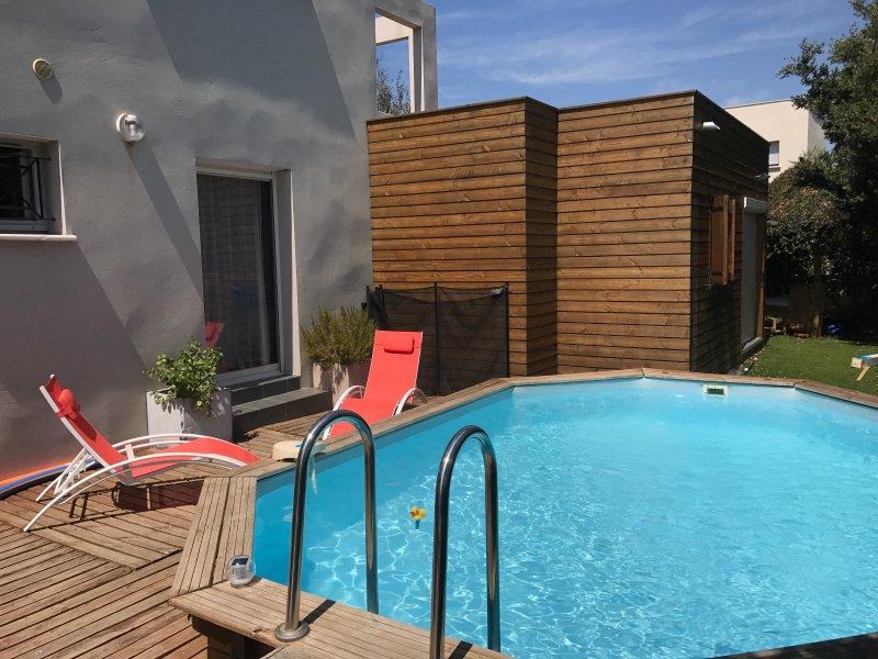 piscina privada e fachada