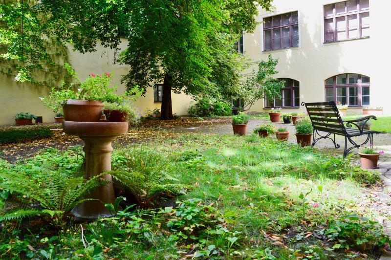 Faites une promenade paisible dans le jardin privé et échapper aux foules de touristes.