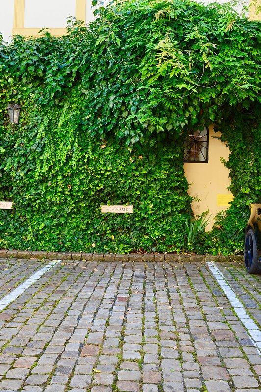 un parking privé sur place, 20 € la nuit garantie du meilleur prix à Prague 1.