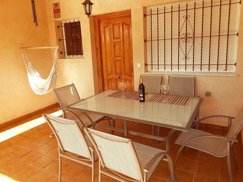 Adosado duplex 3 habitaciones frente a Jardín Botánico, Salinas y Parque natural, alquiler de vacaciones en San Pedro del Pinatar