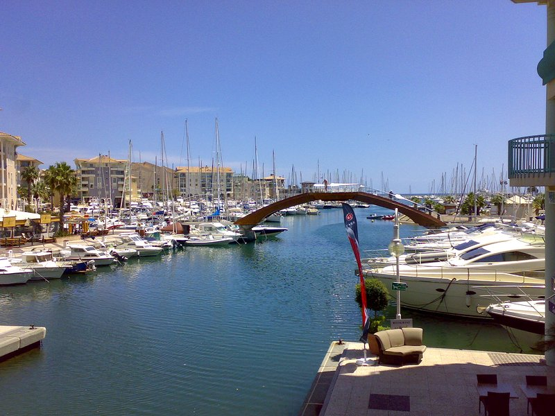 Apartment 50 meters from the sea, Internet with WIFI, garage etc.