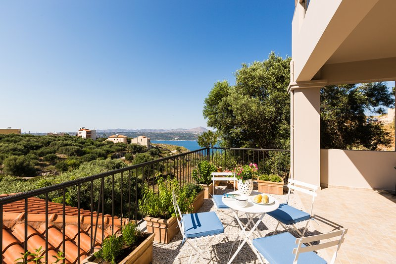 Villa Alysso, Aptera, Chania, holiday rental in Aptera