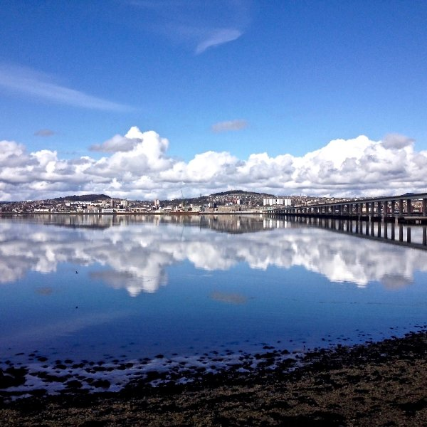 Riverside Apartment near Dundee & St. Andrews, holiday rental in Monifieth