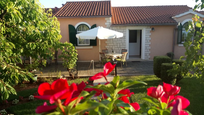 Apartment Lupus A2**** Vodice, holiday rental in Vodice