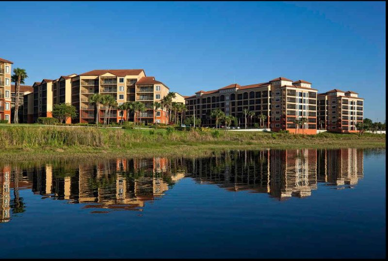Westgate Lakes Resort 2 Bedrooms with sleep sofa in family room, holiday rental in Orlando