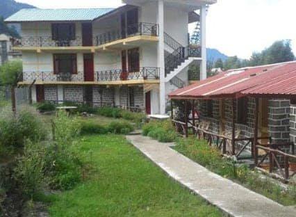 Seraj Heights Home Stay is situated at Palach village of Banjar H.P  north india, casa vacanza a Jibhi