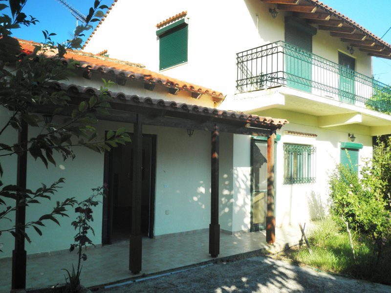 Dimis Country House, vacation rental in Agioi Pantes