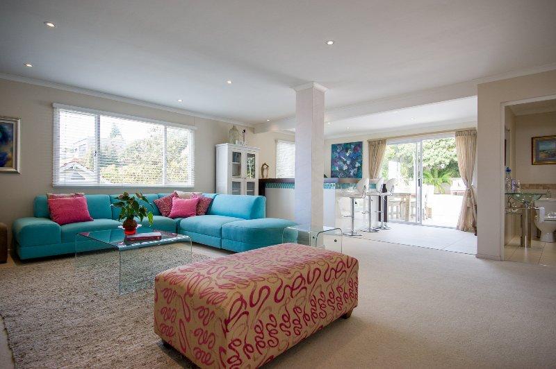 Large lounge/TV room