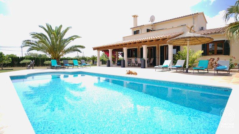 SUN CLUB home VILLA - 8 Personen Luxusvilla, Pool, BBQ-Haus, Fussbodenheizung, alquiler de vacaciones en Randa