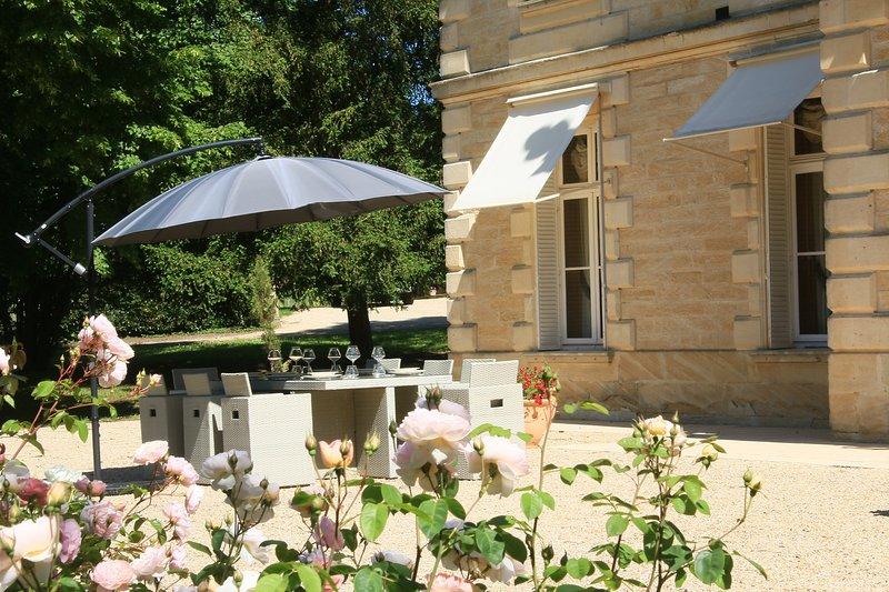 Terrace, facing south, lunch, aperitif, garden