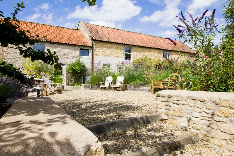 The Long Barn, holiday rental in Cropton
