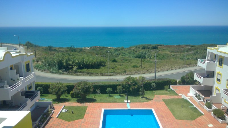 Portugal Ericeira Beach, Penthouse apartment, swimming pool,Terraced, Seaview, vacation rental in Ericeira