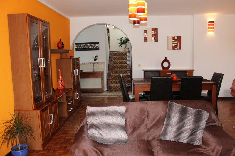Moradia Gina - Gina´s house 4 bedroom, vacation rental in Nazare