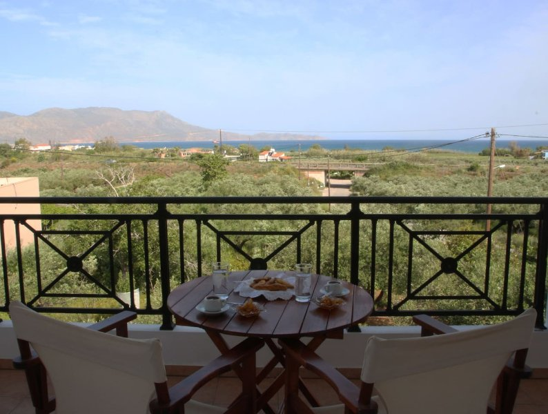 family house           (AMA)153884, holiday rental in Drapanias