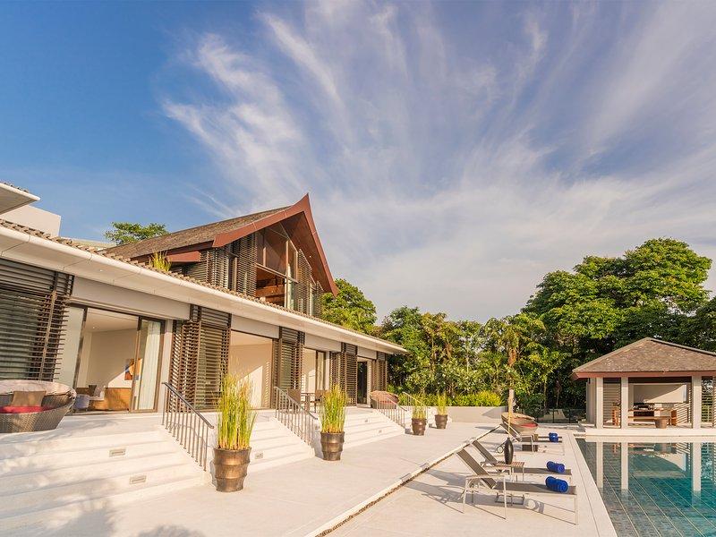 Baan Maprao - Sunwashed Pool-Deck und Villa