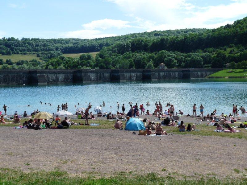 Swimming monitored full Burgundian countryside!